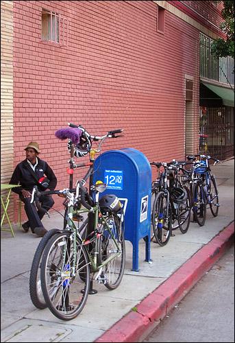 Busy bike racks at Cafe de Leche